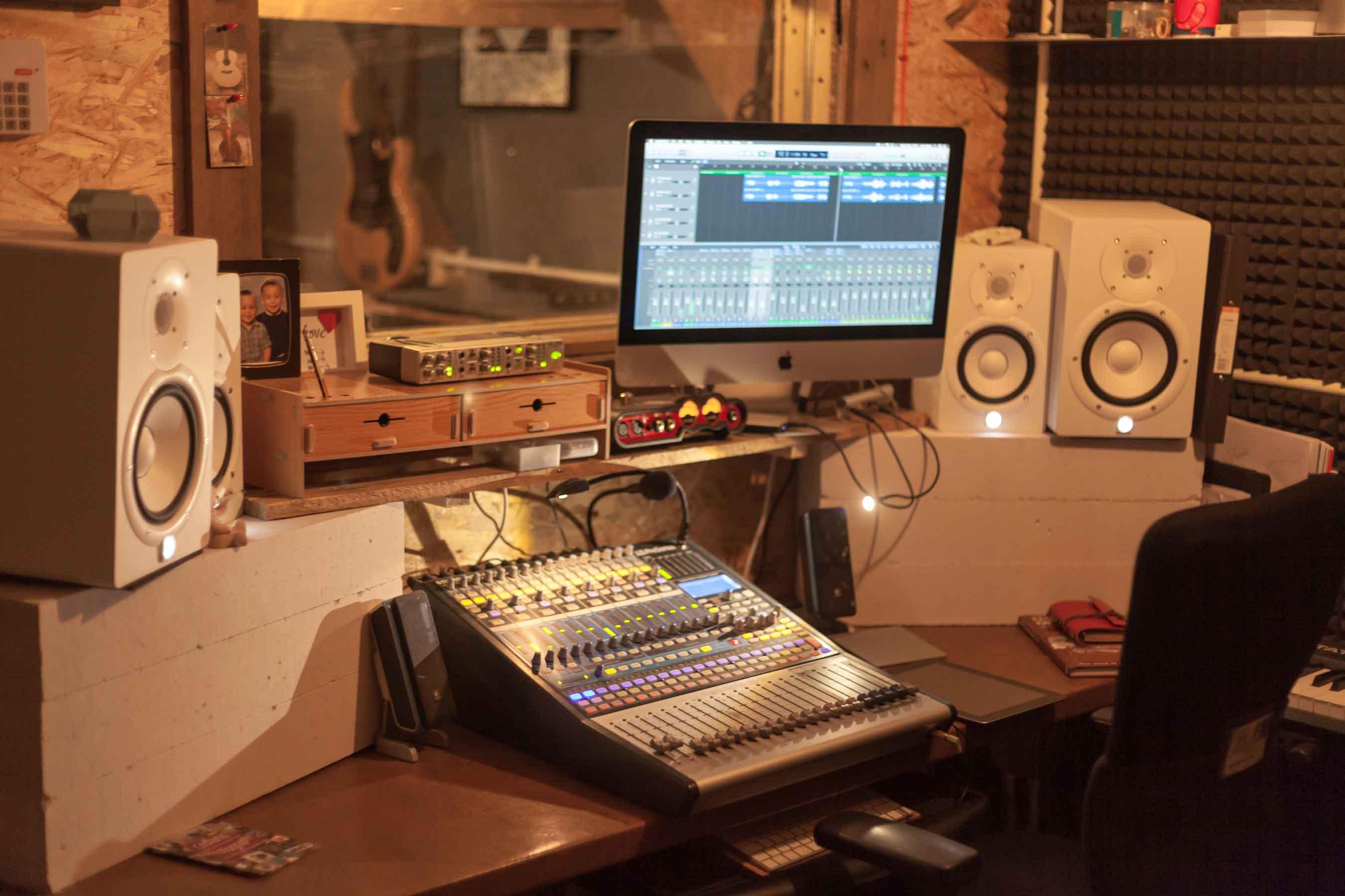 Lenny Bunn Studios