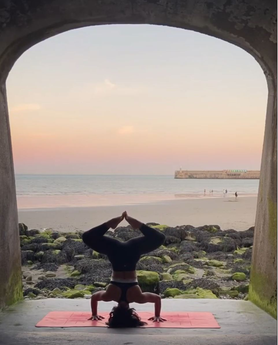 Folkelife_yoga_anita
