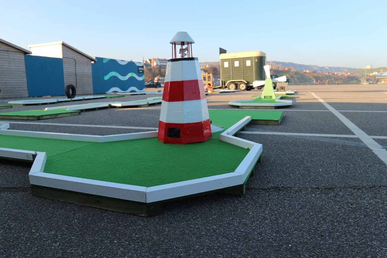 Mini Golf with lighthouse