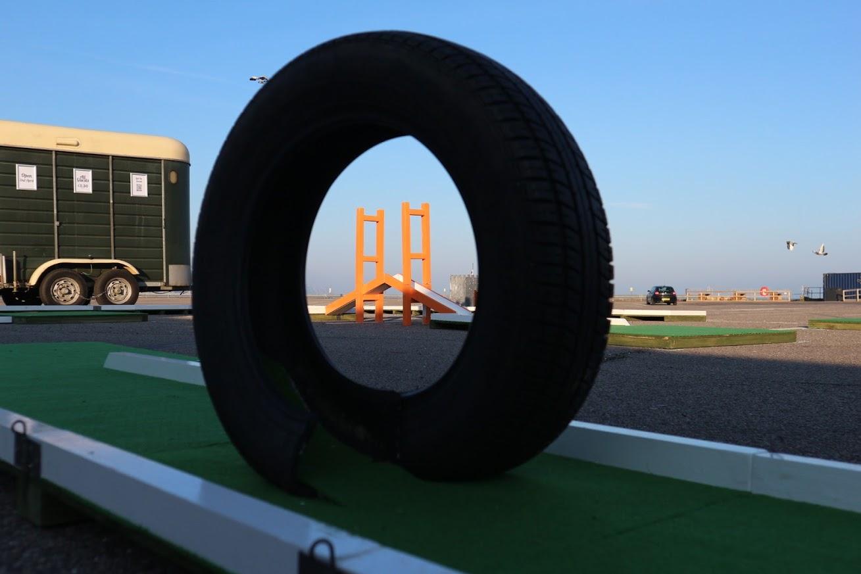 Mini Golf through the tyre
